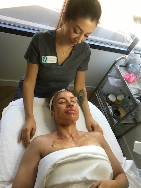 GETTING MY GLOW ON AT COSMETICARE